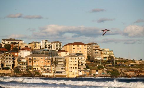 澳洲联储保持基准利率在历史低位,澳元革新三个月新高