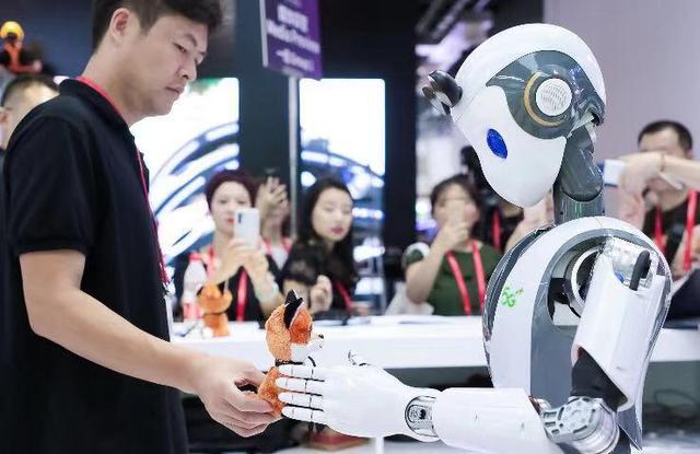 世界工程组织联合会当选主席:AI全球合作是技术本质要求,外力无法改变